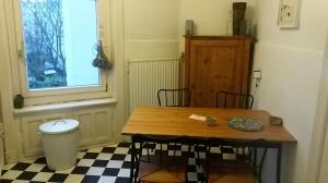 uni wohnen zwischenmiete f r zwei zimmerohnung. Black Bedroom Furniture Sets. Home Design Ideas